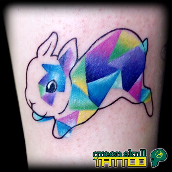 tattoo-tetovalas-barbi-geometria-nyuszi-geometric.jpg