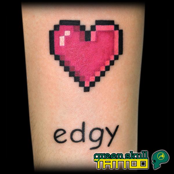 tattoo-tetovalas-barbi-pixel-heart-edgy-sziv.jpg