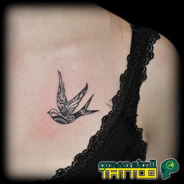 tattoo-tetovalas-apro-csajos-fecske.jpg