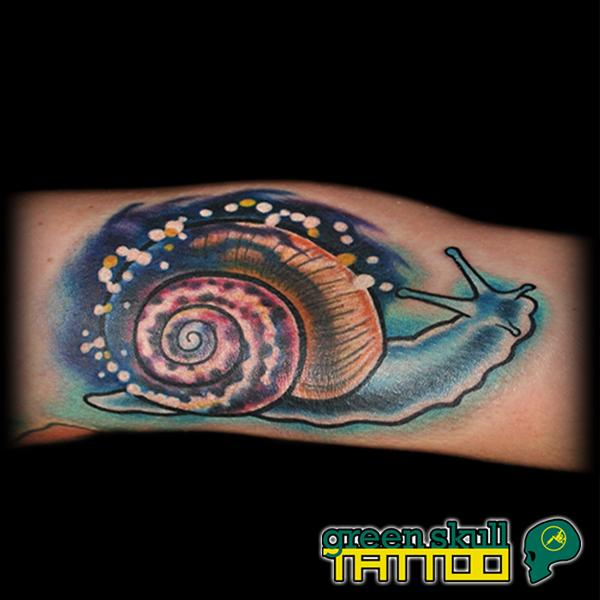 tattoo-tetovalas-szines-csiga.jpg