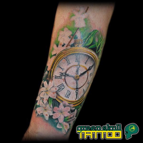 tattoo-tetovalas-szines-ora.jpg